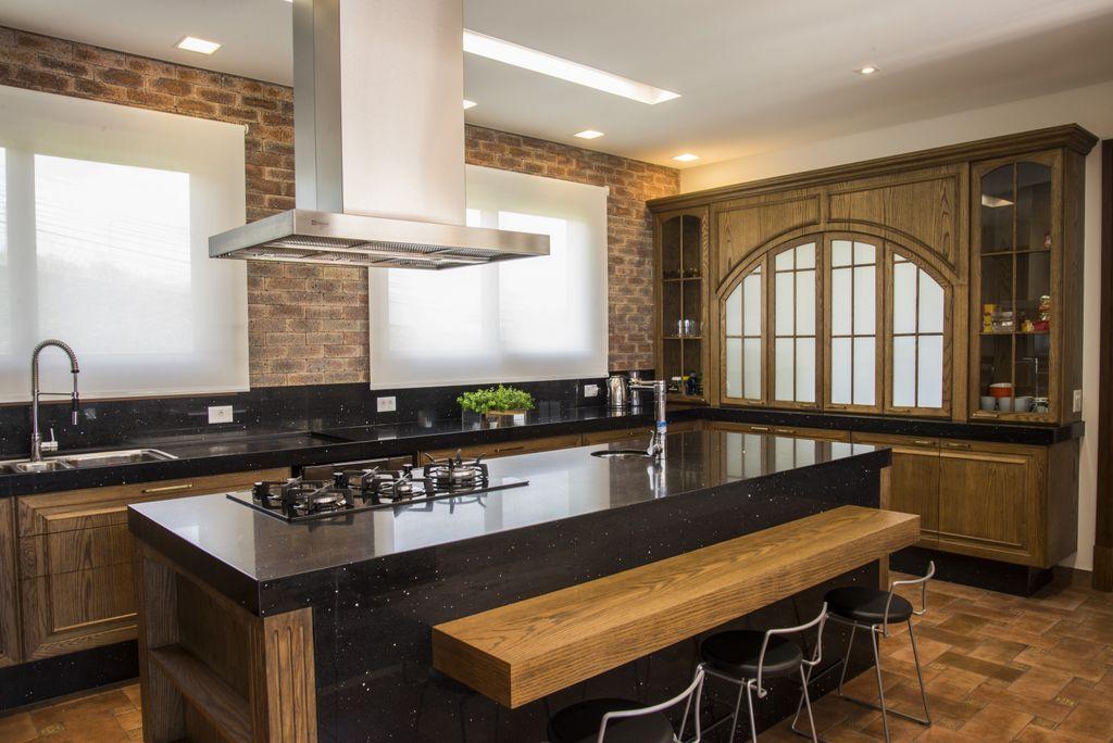 balcao de cozinha embutido e armarios unimoveis marcenaria boutique, mobiliario spb medida projetos especiais para arquitetos