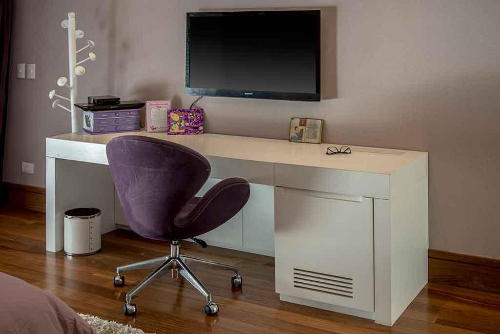 sob medida mesa com armario para esconder computador desktop unimoveis marcenaria boutique projetos completos serviço top atendimento alto padrao ferragens importadas da europa